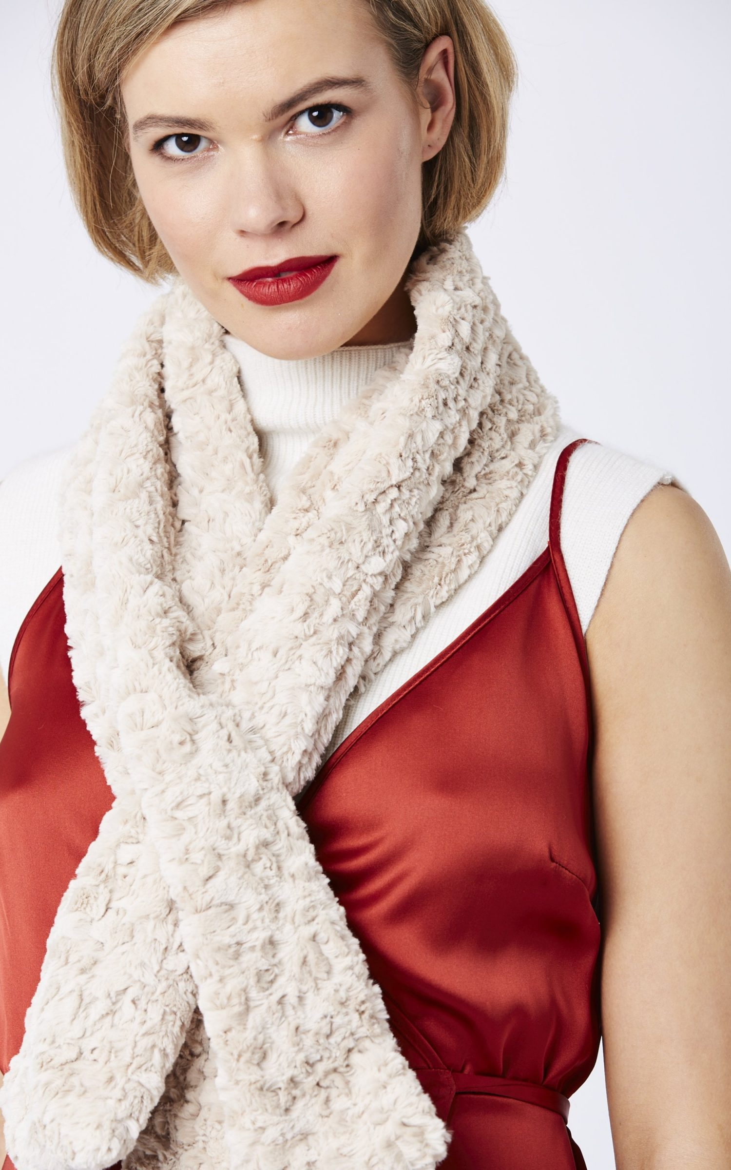 jayley-faux-fur-scarf-p1189-18603_zoom-1